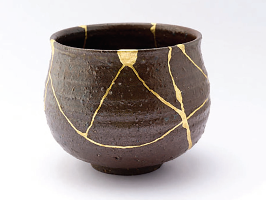KINTSUGI - THE ART OF PRECIOUS SCARS